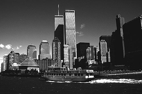 [Waterways Ferryboat and World Trade Center - bw_wtc50109927.jpg - 130840 Bytes]