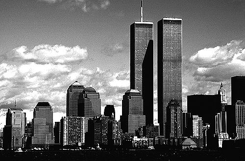 [View of World Trade Center from New York Harbor - bw_wtc52109924.jpg - 144191 Bytes]
