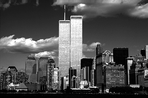 [Sparkling Twin Towers on a Clear Fall Day -bw_wtc56109907.jpg - 122723 Bytes]