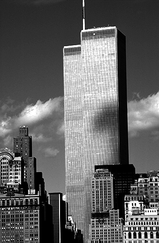 [Cloud Shadows on Twin Towers - bw_wtc56109909.jpg - 118247 Bytes