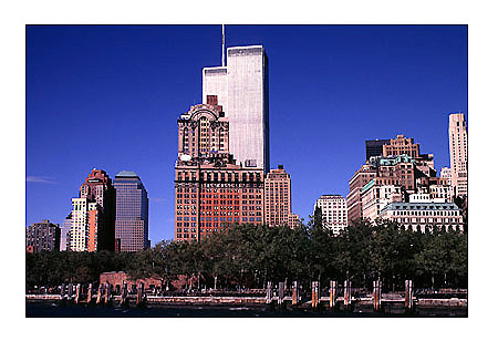 [Twin Towers with Battery Park - wtc53109933.jpg - 66120 Bytes]