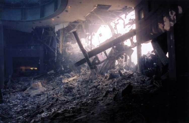[WTC_atrium_interior.jpg - 129829 Bytes]
