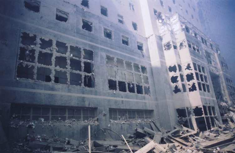 [WTC_facade.jpg - 183008 Bytes]
